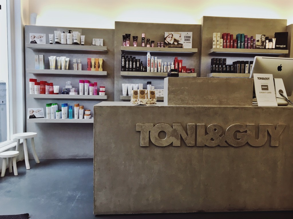 toni-guy-haarlem-counter